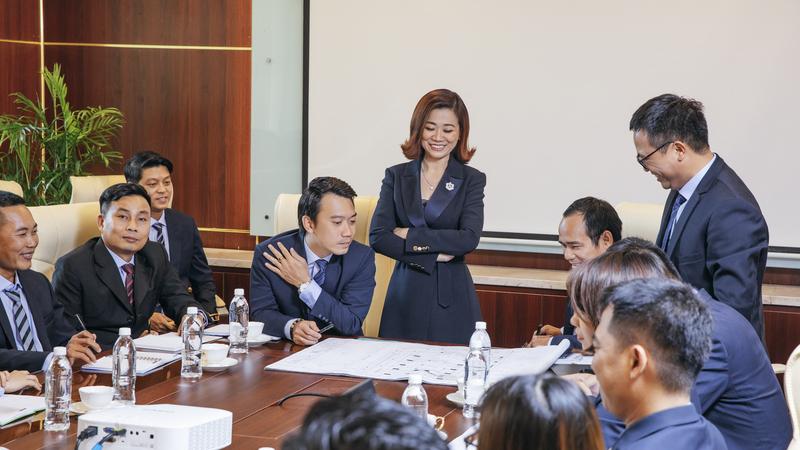 Nâng tầm chuẩn sống Việt cùng Royal Group
